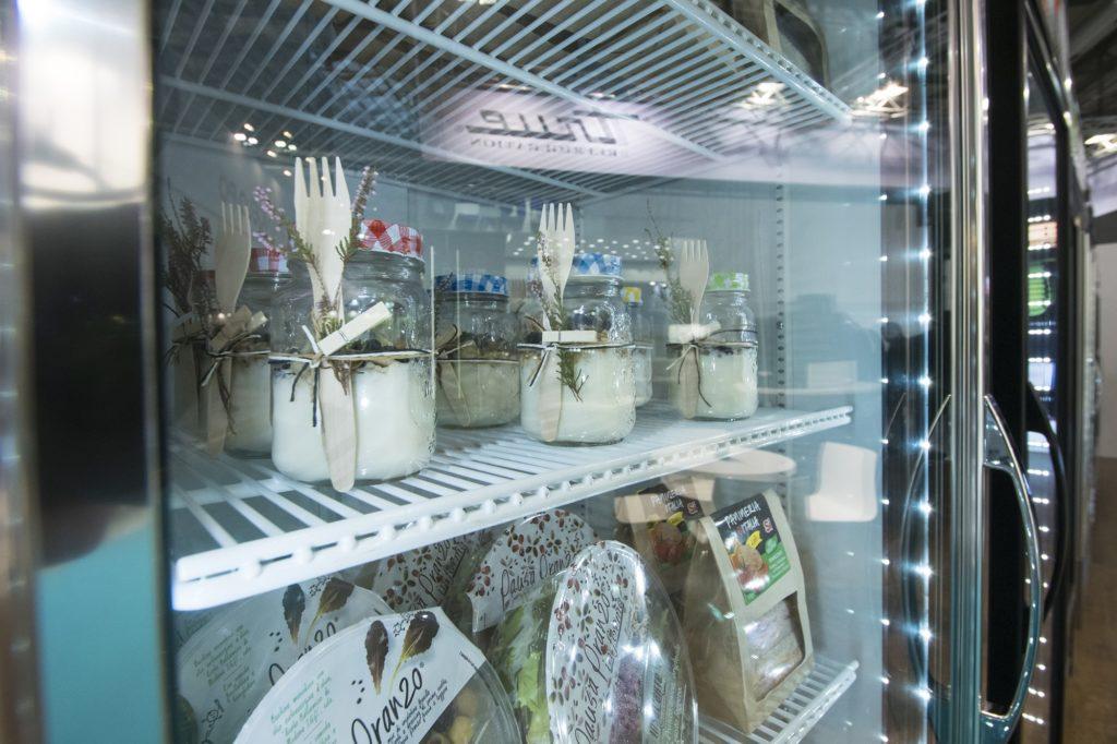 True refrigerator with LED lighting